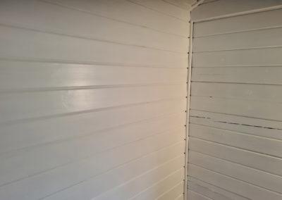 Invändig målning av fritidshus med gäststuga Muskö